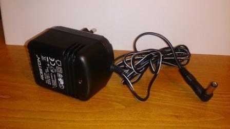 Блок питания 9V 500mA (штекер 5.5мм х 2.1мм)